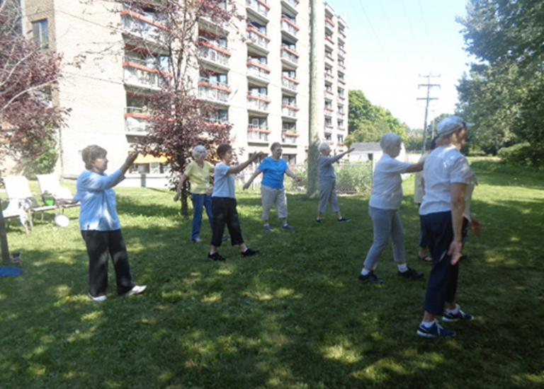 Tai Chi session, Résidence Maywood